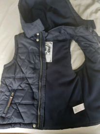 Boy navy gilet 5-6, new