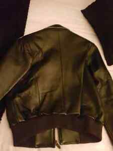 Pelle Women's leather jacket  West Island Greater Montréal image 3