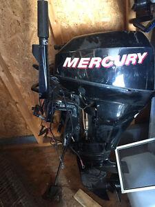Moteur de chaloupe Mercury