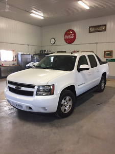 2008 Chevrolet Avalanche LS Sedan