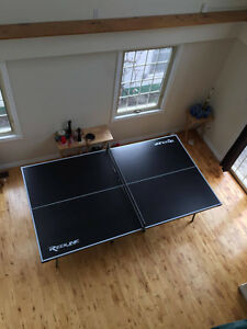 Excellent Full Sized Ping Pong Table - $175 OBO