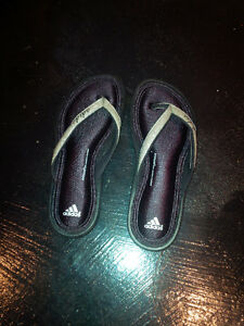 ADIDAS FITFORM Flip Flops Slippers- Brand New