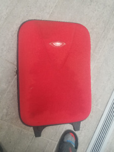 Alfonso Xo Red Carry On Rolling Luggage