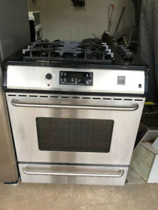 "Frigidaire 30"" slide in gas top electric oven fully working"