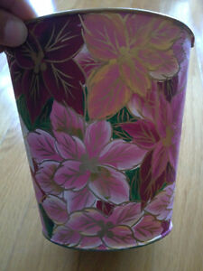 Brand new set of 2 pink floral painted metal planter pot London Ontario image 1