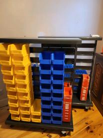 Mobile storage display unit