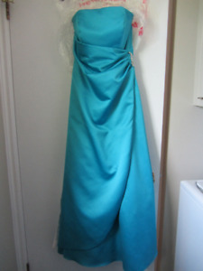 Robe longue satin bleu Medium
