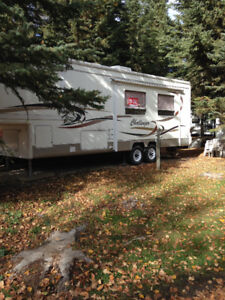 2000  5th Wheel on leased lot in Whispering Spruce RV Resort