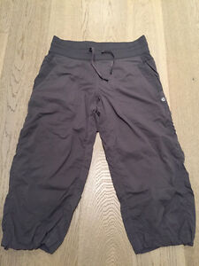 Size 6 Casual LULULEMON Cropped Pants