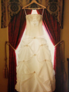 Allure strapless wedding gown and veil for sale