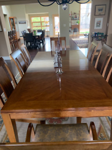 Luxury Dining Room Table and Chairs, Ethan Allen
