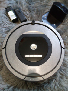 IROBOT ROOMBA 770 LIKE NEW