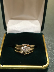 AMAZING  ONE  OF  A  KIND  CANADIAN  DIAMOND  RING & BANDS!
