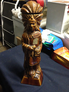 VINTAGE 1968 NATIVE INDIAN LIQUOR DECANTER STATUE