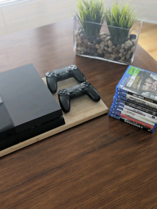 PlayStation 4 (2 Controllers + 9 Games)