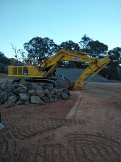 Excavator backhoe operator looking for work Benalla Benalla Area Preview