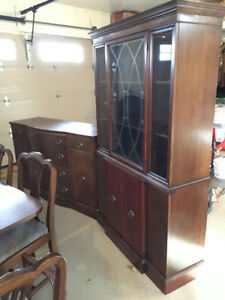 dinning room table and chairs  REDUCED PRICE