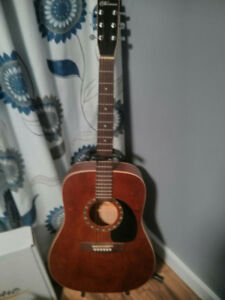 Guitare acoustique Norman