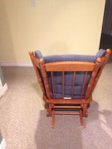 Rocking Chair Windsor Region Ontario image 2