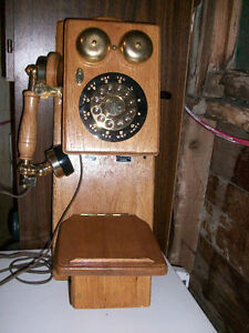 COUNTRY WALL TELEPHONE