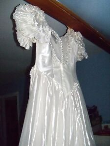 WEDDING GOWN, IVORY, EXCELLENT COND, ETC