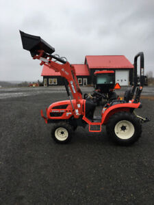 24HP 4x4 with front loader 6 year warranty only $195.00/month
