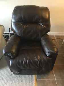 Leather Electric Reclining Chair Kitchener / Waterloo Kitchener Area image 1