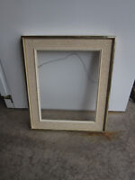 Frame with matting and non-glare glass