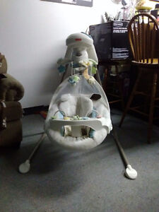 Fisher price my little lamb cradle&swing
