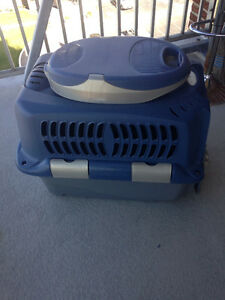 Pet carrier/travel