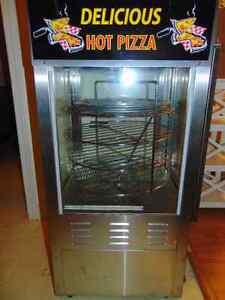 ALMOST NEVER USED PIZZA MAKER FOR SALE
