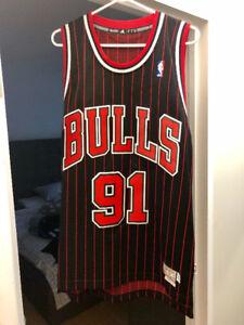 NBA AUTHENTIC JERSEY CHICAGO BULLS #91 DENNIS RODMAN SIZE SMALL