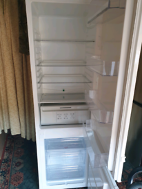 Frost free fridge freezer, excellent/super clean. Delivery