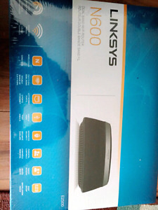 Linksys 2500 router new still sealed