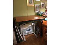 Stand up computer table