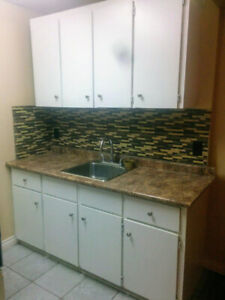 2 bedroom apartment Welland $1200 heat include