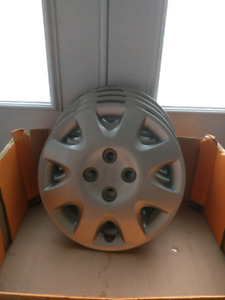 Quatres Enjoliveurs 14 po. / Four Hubcaps Honda Civic 14in