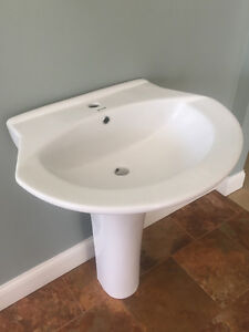 Save money - Brand New Pedestal sink in box