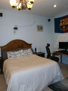 Uptown 3 bedroom furnished, utilities/internet