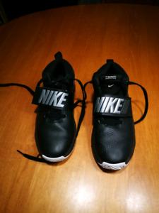Souliers Nike Basket 5.5