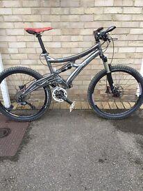 Whyte 46 - Full Suspension Mountain / DH Bike - Rockshox, Fox, XT, Carbon