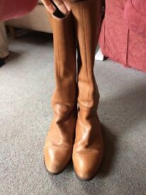 Clarks Light Brown Tall Boots size 6