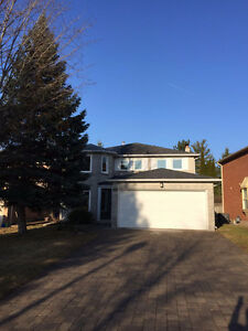 Yonge/Major MacKenzie 5+2 Bedrooms House for Rent Richmond Hill