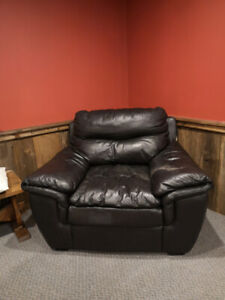 Good quality, genuine leather over-sized arm chair