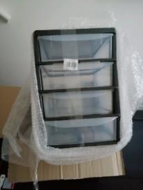 plastic drawers band new