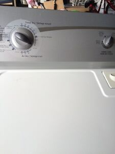 Kenmore 600 washer and dryer - white