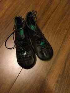 Highland dance shoes almost new size 13M