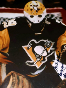 Hand Signed Autographed NHL hockey photo pictures