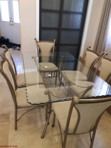 Glass top dining table +6 chairs
