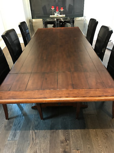 "Dining Room Table and Chairs by ""Kincaid Furniture"""